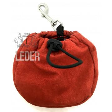 Сумочка для лакомств для собак Onega на карабине Красная